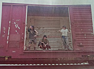 Darkstar is on the left, with Fodi and Ferg. On a boxcar, probably the summer of 2002 but I couldn't promise.